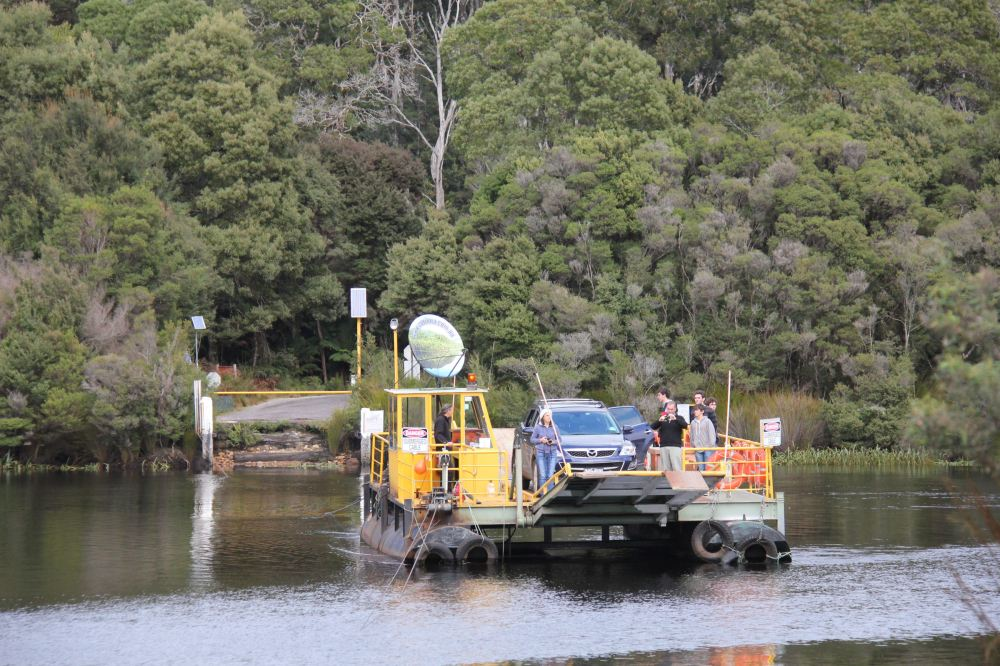 IMG_5217-barge crossing